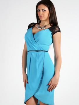 Синя рокля с дантелени полуръкави