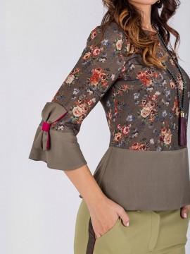 Елегантна блуза с панделки на ръкавите