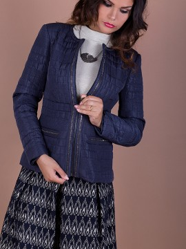 d3d83f6f005 Елегантно дамско яке от ватирана промазка с апликации от декоративни  блестящи камъчета