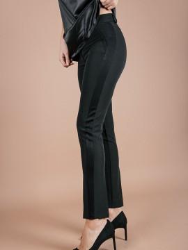 Елегантен панталон с дискретен сатиниран кант