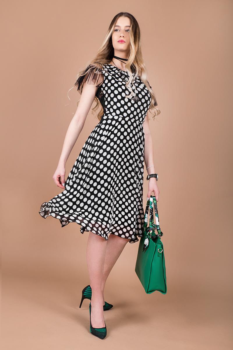 f392e916494 Ефирна рокля на точки - Ephos България - Онлайн магазин за уникални ...